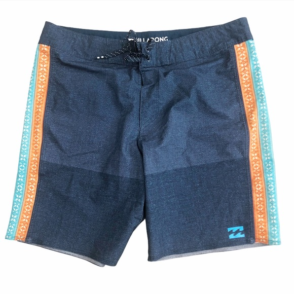 Billabong blue board surf shorts 34